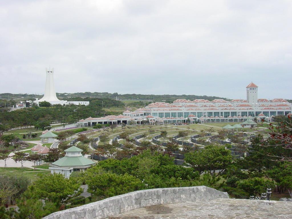 평화를 둘러싼 치열한 기억투쟁_오키나와 평화기념공원과 평화기념자료관