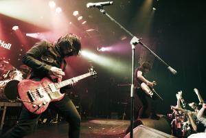 록, 격렬하고 신나는 음악의 열기