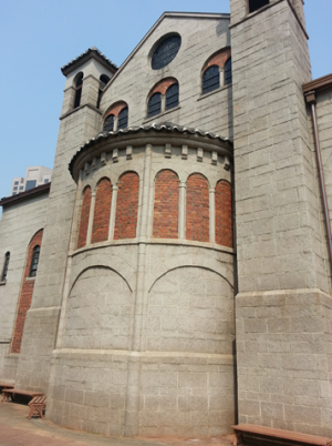 명동성당에 가려진 성당과 교회-성공회 대성당과 향린교회