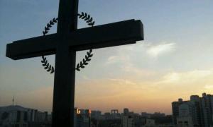 한국사회의 '꼽추'들, 종탑위에 오르다.