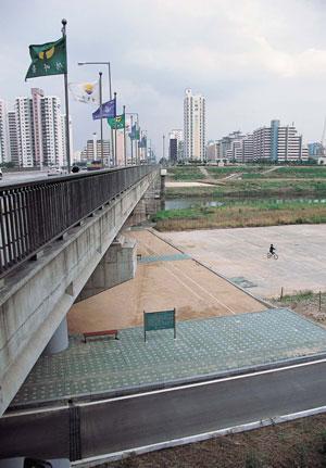 군부독재의 반민중적 도시개발을 온몸으로 규탄하다/84년 목동 철거민 투쟁