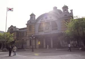 서울역의 함성과 통한 80년 5월 서울역 광장 시위