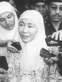 말레이시아, 좌절된 레포르마시와 공고한 반 민주주의 사진