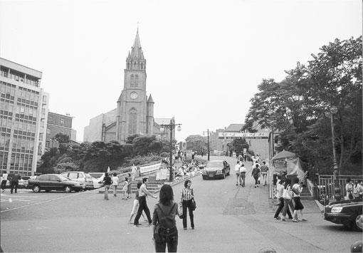 6월항쟁의 주요 현장, 남영동 대공분실과 영등포교도서 그리고 명동성당 사진